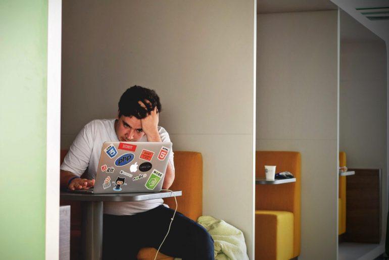 Το blogging και τα αρνητικά reviews: Αν πρέπει να τα γράψεις και πως