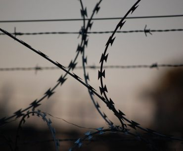 Ο φυλακισμένος που μπλογκάρει μέσα από τη φυλακή (χωρίς ίντερνετ)