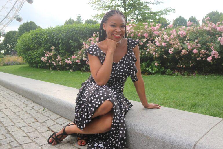 Adebola Sowemimo: Η Βρετανίδα blogger που συνελήφθη στην Ελλάδα
